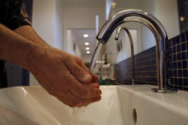Hands Free Faucet - Cleandus.com