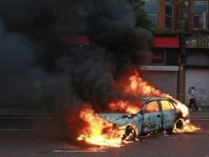 car-explosion-fire-belfast-northern-ireland-5[1]