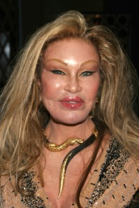 Jocelyn-Wildenstein-cat-lady[1]
