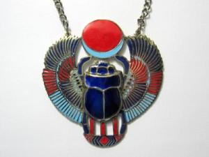 vintage-egyptian-scarab-necklace[1]