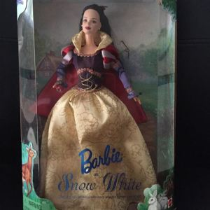 collectible_snow_white_barbie_doll_1430793342_5dea3187[1]
