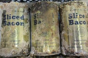 Archeologists-find-US-Army-bacon-and-sunscreen-tins-buried-at-Salisbury-Plain
